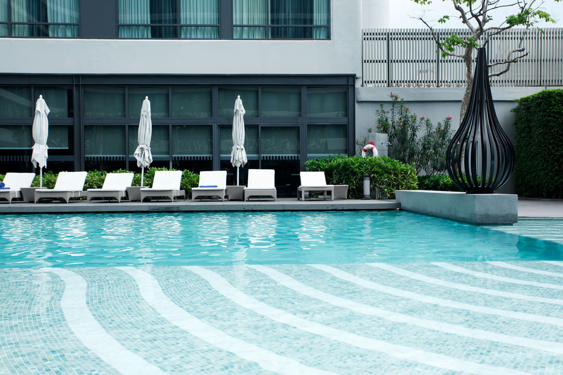 สระว่ายน้ำโรงแรม Bangkok Marriott Marquis Queen's park