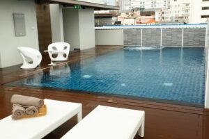 สระว่ายน้ำ โรงแรม W14 พัทยา